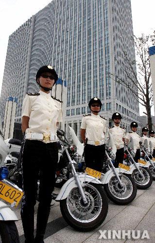 苏州女子城管摩托队