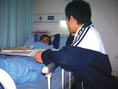 拯救病危慈父 16岁少年欲放弃高考