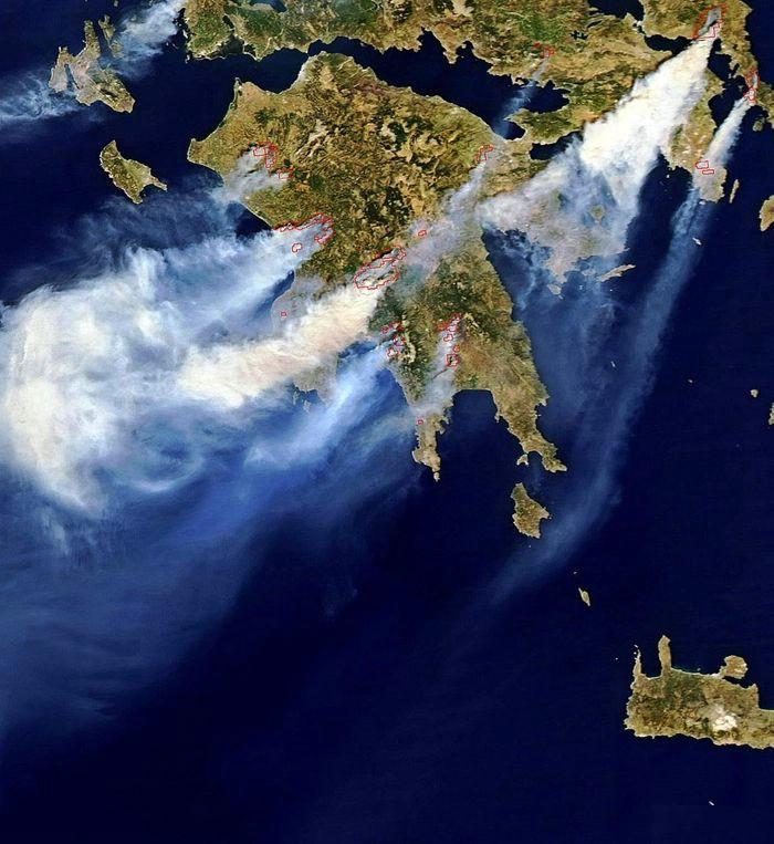森林大火席卷希腊图片