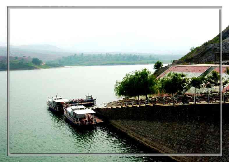 朝阳燕山湖风景区