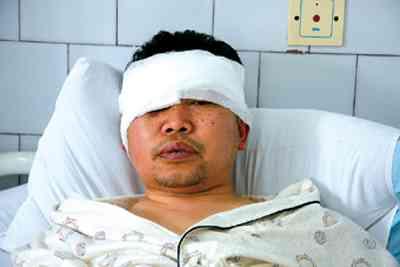 富顺人民医院主任医师被打得住院.