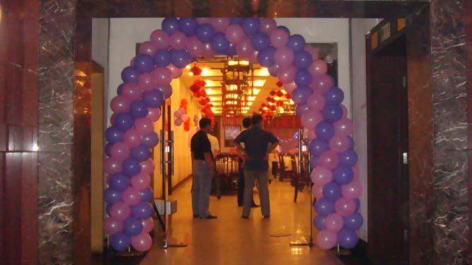 长条形气球编织简单玫瑰花图解